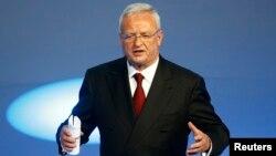 CEO Volkswagen, Martin Winterkorn memberikan pidato pada sebuah acara di Frankfurt, Jerman (14/9).
