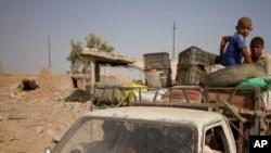 Mülki əhali Mosul ətrafındakı kəndləri tərk edir