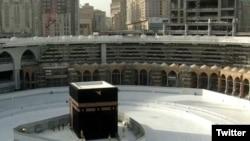 کعبه، قبلهگاه مسلمانان (آرشیو)