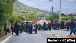 Srbi sa sjevera Kosova blokirali su put kod mesta Rudare ka Zvečanu