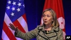 홍콩 재계 지도자들에게 연설하는 힐러리 클린턴 미 국무장관