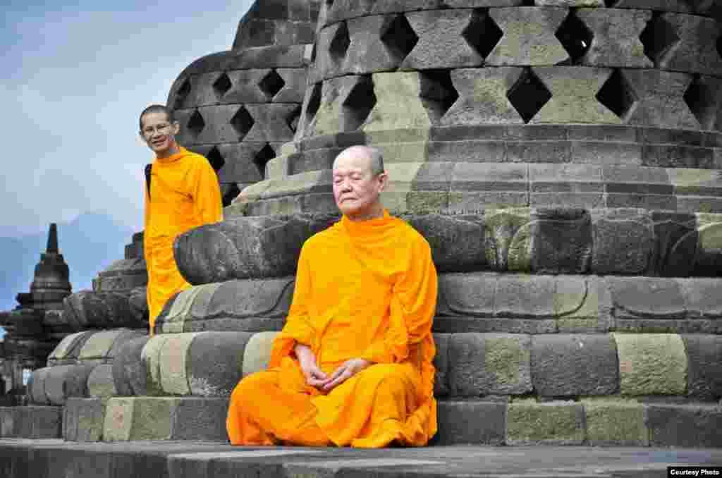 9th Place  Prasetyo Wibowo, Indonesia  'Monks on Borobudur'