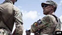 Un membre de l'unité de protection rapprochée du président Touadéra, composée de membres de la société de sécurité privée russes Sewa Security à Berengo, le 4 août 2018.