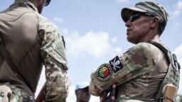 Un membre de l'unité de protection rapprochée du président centrafricain Touadera, composé de membres de sociétés de sécurité privées russes à Berengo, le 4 août 2018.
