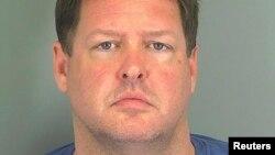 Todd Kohlhepp, le propriétaire du container, était déjà fiché comme coupable de crimes sexuels (Photo obtenue par Reuters du Centre de détention de Spartanburg, en Caroline du Sud)