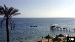 Пляжи Шарм-эль-Шейха вновь откроются после нападения акул