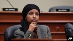 الهان عمر، نمایندۀ مسلمان در کانگرس امریکا و کسی که تهدید به مرگ شده بود