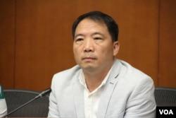 香港立法會議員,民主黨主席胡志偉(美國之音記者申華拍攝)