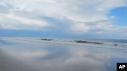 Η στάθμη των ωκεανών αυξομειώνεται