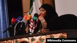 تلویزیون دولتی ایران میگوید که خانم هاشمی از ۲۵ سال گذشته با این تلویزیون همکاری داشته است.