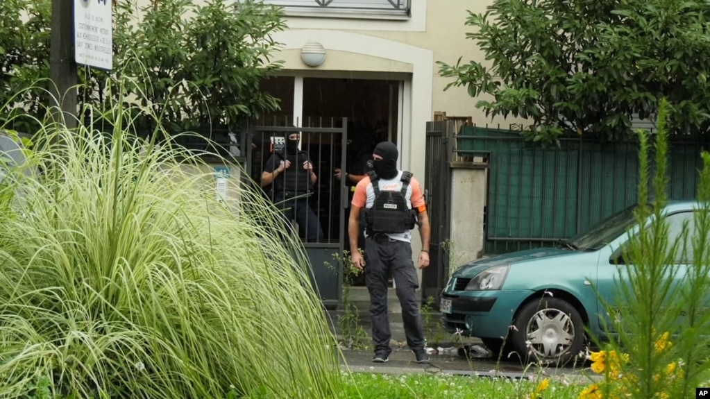 Franca nxjerr mësime nga dështimi i një programi çradikalizimi