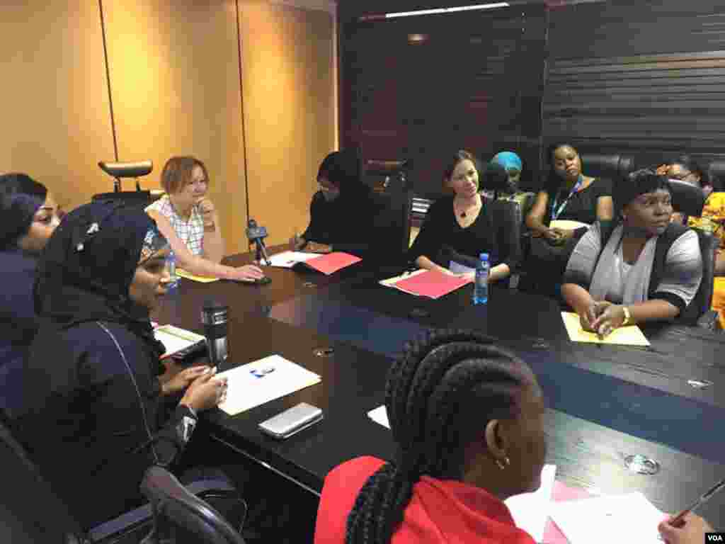 VOA Director Amanda Bennett speaking with female journalists from different media at Azam TV in Dar es salaam, Tanzania.