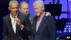 Marais wastaafu Barack Obama, George W. Bush, na Bill Clinton.