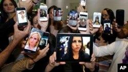 Selfie, o autorretrato en español, es una palabra que también cobra popularidad entre los jóvenes en Latinoamérica.