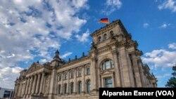Фото: будівля парламенту Німеччини