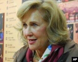 此剧在北京大学演出前,此剧执行制作人苏珊.洛温博格女士12月2日在北京大学剧场