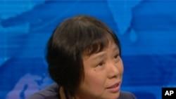 美国之音中文部主任龚小夏接受PBS电视采访谈陈光诚事件