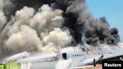 7月8日舊金山國際機場韓亞客機墜機事故後發生大火。