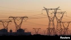 از برق وارداتی ازبکستان به غزنی، ۲۰ هزار خانواده مستفید میشوند