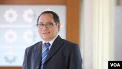 Pengamat hubungan internasional yang juga Rektor Universitas Muhammadiyah Yogyakarta, Prof. Bambang Cipto (Foto: VOA/Nurhadi)