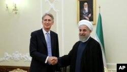 ایران و بریتانیا پس از چهار سال، سفارتهای شان را در تهران و لندن بازگشایی کردند.