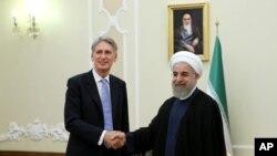 عکس آرشیوی از دیدار فیلیپ هاموند وزیر خارجه بریتانیا با حسن روحانی رئیس جمهوری ایران در تهران - ۲ شهریور ۱۳۹۴