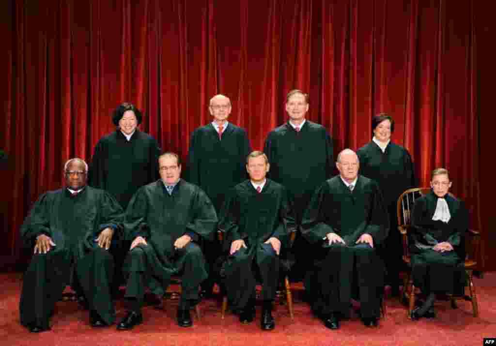 Fotografía oficial de los jueces de la Corte Suprema de Justicia de EE.UU.