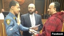 Thị trưởng thành phố Prospect Park Mohamed Khairullah (giữa).