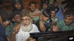 Matiur Rahman Nizami, pemimpin partai Islamis Jamaat-e-Islami Bangladesh (baju putih) dikenai tuduhan kejahatan perang (foto: dok).