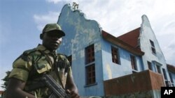 Seorang tentara pemberontak M23, yang merupakan mantan tentara Kongo yang membelot, menuntut gaji yang lebih tinggi dan senjata (foto: dok).