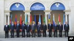 Главы правительств стран СНГ на саммите в Ялте, Украина. 28 сентября 2012 года