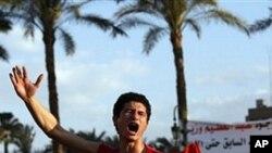 مظاهره کنندگان مصری دستور اردو به ترک میدان تحریر را رد کردند