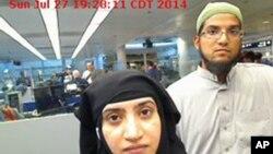 Tashfeen Malik, y Syed Farook, pasan por el aeropuerto Internacional O'Hare de Chicago en julio de 2014. Foto proporcionada por la Agencia de Aduanas y Protección Fronteriza de Estados Unidos.