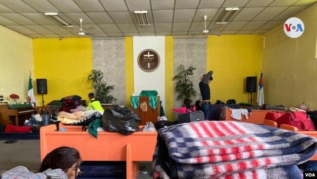 Migrantes que esperan asilo, en el albergue El Buen Samaritano, en Ciudad Juárez.