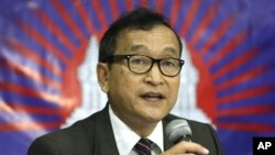 Cambodian opposition leader Sam Rainsy (file)