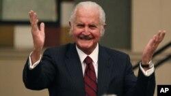 Carlos Fuentes recibió diversos homenajes internacionales por su aporte a la literatura y la cultura.