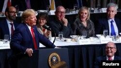 特朗普总统在纽约经济俱乐部讲话。(2019年11月12日)