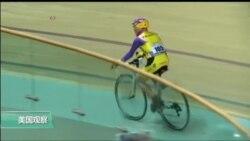 法国105岁老人再创骑自行车世界纪录