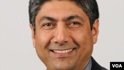 عمر صمد، سفیر پیشین افغانستان در کانادا و فرانسه