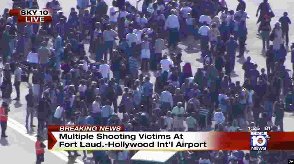 Tiroteo en aeropuerto internacional de Fort Lauderdale, Florida deja cinco muertos y ocho heridos.