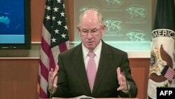 Phát ngôn viên Crowley nói Hoa Kỳ ủng hộ các công dân Iran nào tìm cách hành sử những quyền căn bản, và tỏ tình đoàn kết với nạn nhân của những vụ tra tấn và ngược đãi