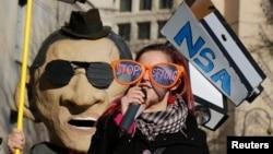 Organizaciones civiles pedían al presidente Barack Obama detener el espionaje a los estadounidenses, mientras el mandatario anunciaba cambios a la NSA, en Washington.