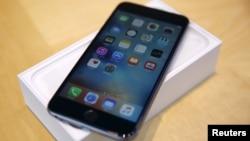 Model iPhone terbaru produksi Apple Inc., iPhone 6S Plus (foto: ilustrasi).