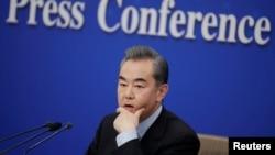 王毅2019年3月8日在北京出席记者会(路透社)