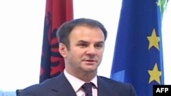 Kuqi: Prishtina do të vazhdojë përpjekjet për vendosjen e sundimit të ligjit në veri