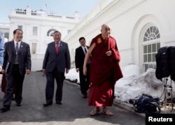 西藏精神领袖达赖喇嘛(Dalai Lama)2010 年2月18日访问白宫并会见时任美国总统奥巴马(路透社)