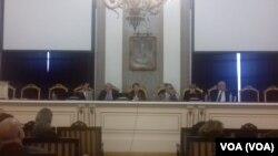 Zajednička sednica Senata, Saveta i Studentskog parlamenta, Foto: VOA