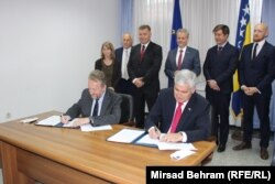 Potpis na dogovor o Mostaru Izetbegović i Čović stavili su u prosustvu međunarodnih zvaničnika u BiH