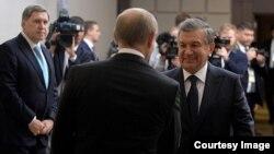 Mirziyoyev va Putin (arxiv)