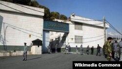 ورودی اصلی بازداشتگاه اوین، واقع در شمال تهران